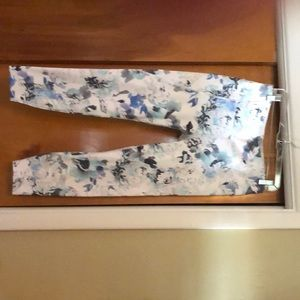 Athleta Blue and white floral work out leggings